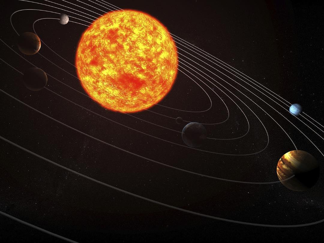 تشكل كتلة الشمس 99.86٪ من كتلة المجموعة الشمسية، ما يعادل 330,000 من كوكب الأرض. المصدر: UAESpaceAgency #معلومة #اقرأ_واكتشف #عام_القراءة https://t.co/5Fw8buSYHD