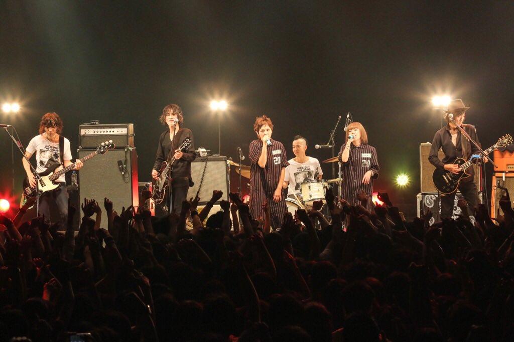 「TOKYO NIGHT SHOW」すごい夜になりました!ありがとうございました!アンコールでの「誰かが」奇跡のコラボ!鳥肌立ちました! https://t.co/BH2iNsCEcE