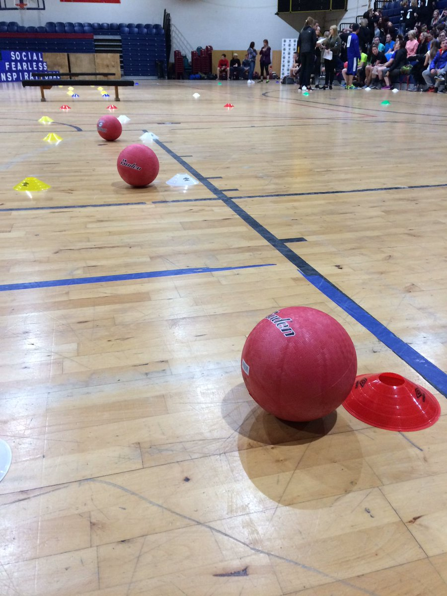 It's dodgeball time at Life Style Sports. Head over to our Snapchat for some more snaps of this epic battle! https://t.co/671Sj5uf0V