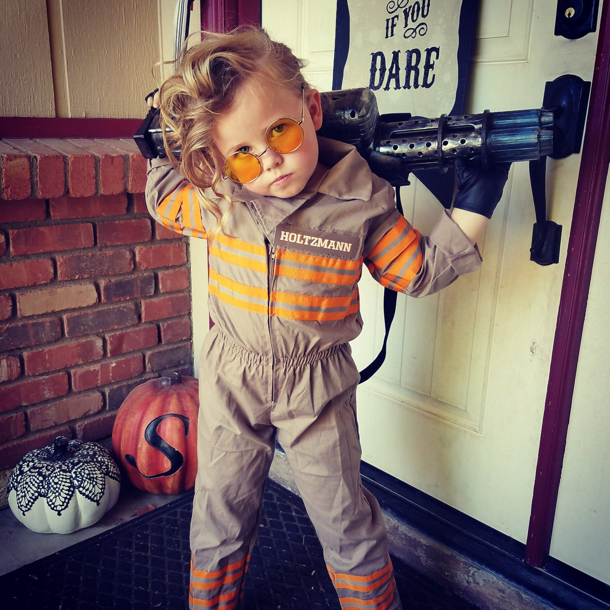 This made my day. RT @LindsayWSherman: @paulfeig tiny Holtzmann is pretty excited to rock her favorite Ghostbuster https://t.co/baImur06XT