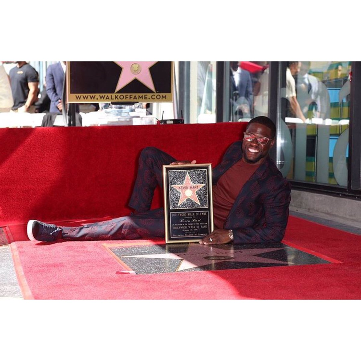Congratulations to @kevinhart4real, who received his star on the Hollywood Walk of Fame.  Photo credit: David Buchan https://t.co/CpcvFzIz9b
