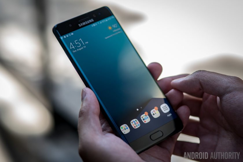 #samsung permanently discontinues the Galaxy Note 7, $17 billion in sales lost https://t.co/lRBsmQu50n https://t.co/BZwflaAXpy