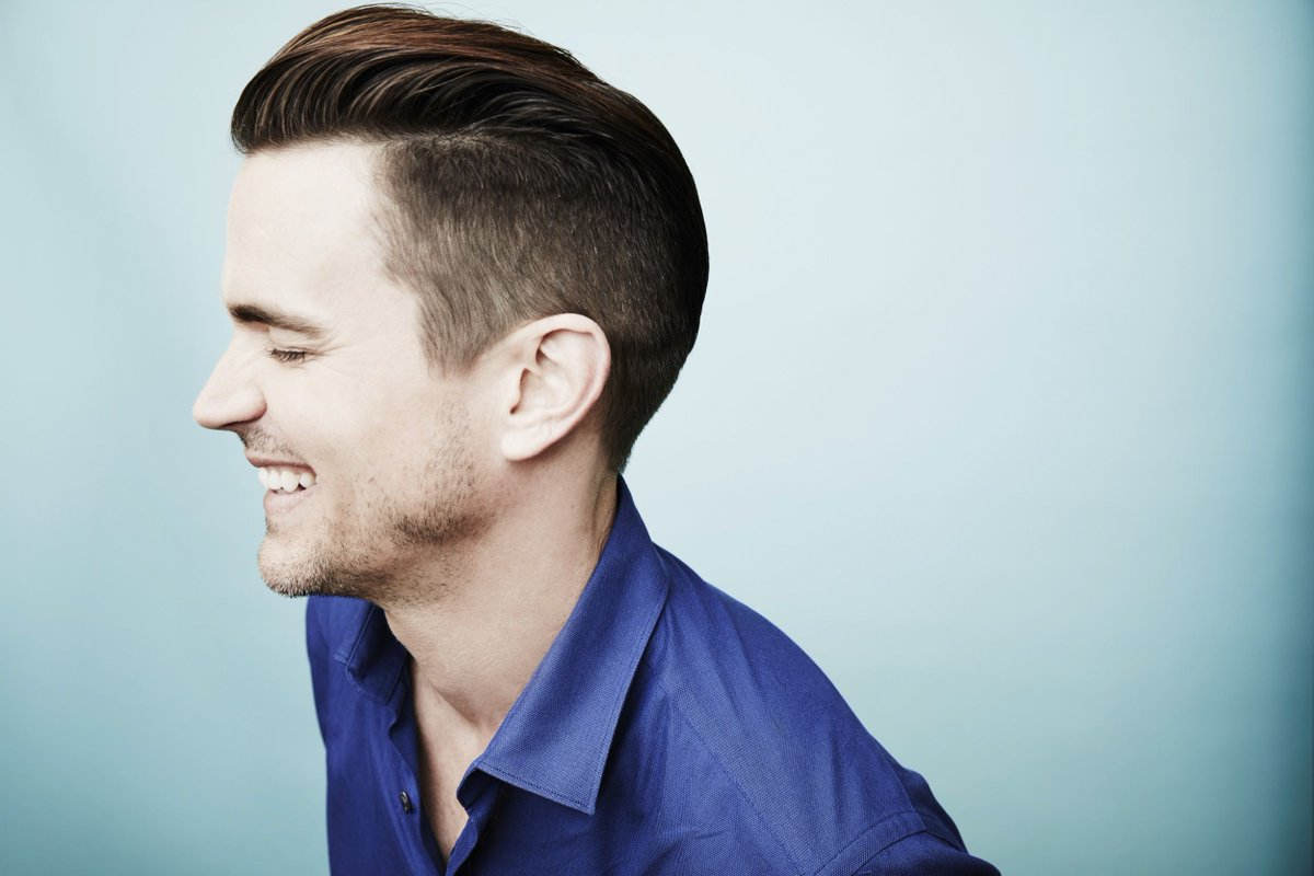 Happy birthday, @MattBomer! Keep lighting up us with your smile, and inspiring us w/ your life and your talent!
