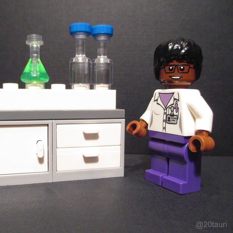 4 of @MIT's fantastic #womeninSTEM, rendered in LEGO: Paula Hammond, @maria_zuber, @snbhatia, Millie Dresselhaus https://t.co/jzH7L7xv5q