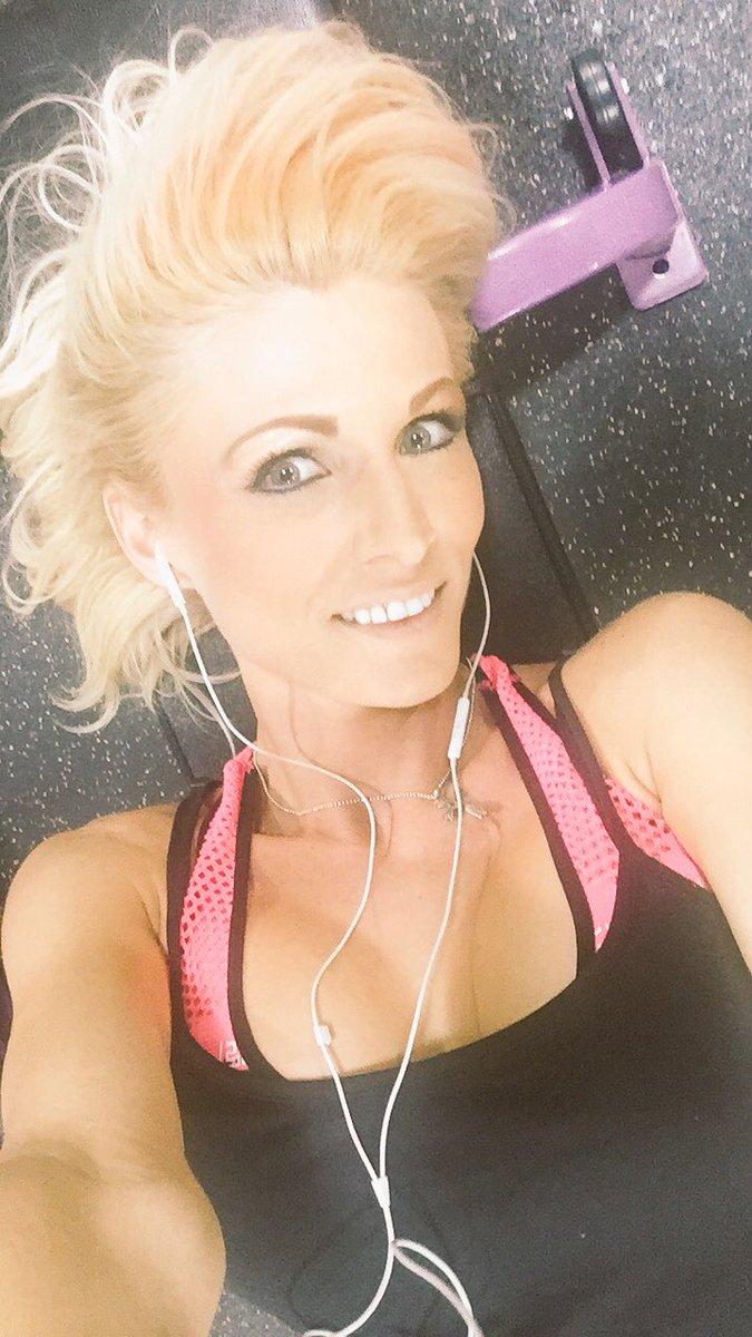 #gymmotivation #gymselfie #girlpower c7YCQ6pTBi