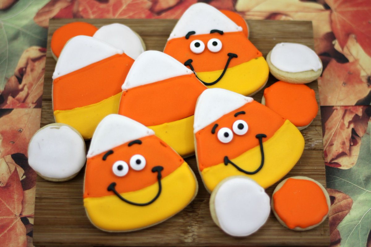 Candy Corn Cookies https://t.co/xWFhlYU6vw https://t.co/CsTa5HZkB7