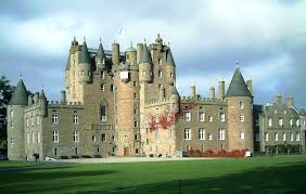 Legends of a monster lurking in a secret room are told about Glamis Castle in #Scotland https://t.co/SIRoSghOTc https://t.co/pzYBFjEsRc