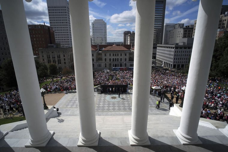 PHOTOS: Thousands attend prayer rally led by Franklin Graham at the Virginia State Capitol. https://t.co/eJxml3bJDV https://t.co/EgaEdETVtR