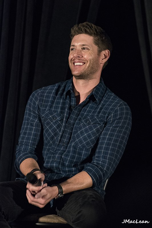 Laughing @JensenAckles #Torcon #SPNTor https://t.co/oXbPrMKyp4
