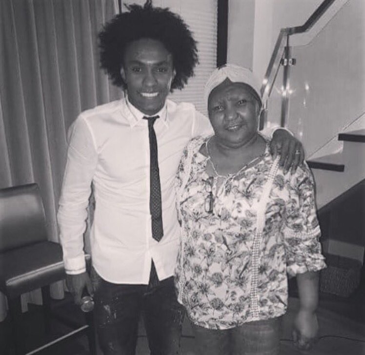 Willian's mother has passed away after losing her battle with cancer.  REST IN PEACE!