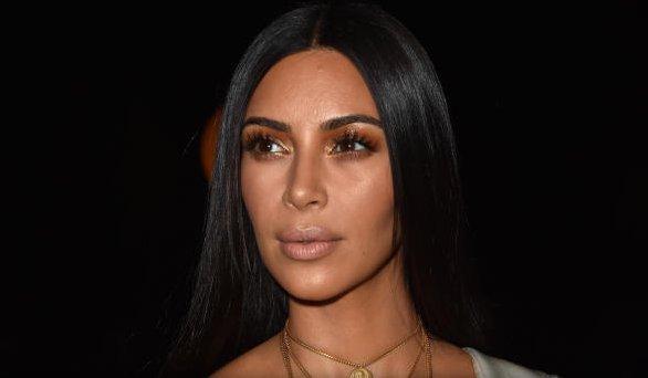 """""""Kim Kardashian Robber"""" Halloween costume pulled from shelves"""