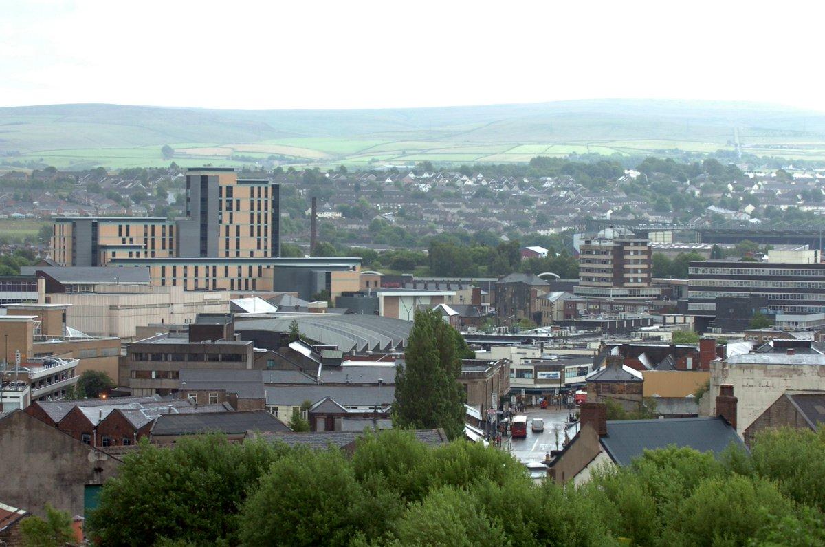 Burnley named 'friendliest town in Britain' https://t.co/8uE5UcFsJS https://t.co/dZcJkXiO1g