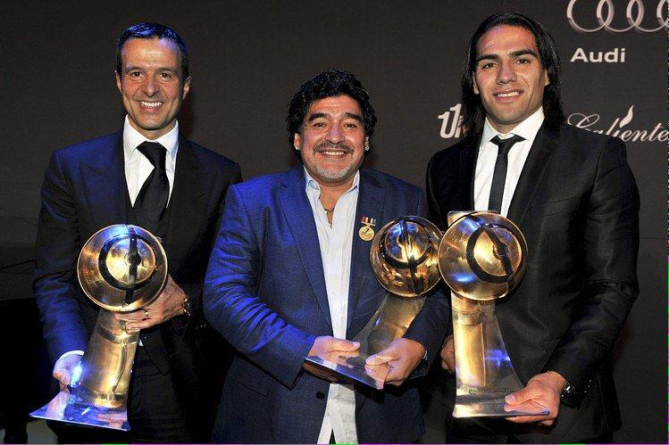 Cada vez que Maradona opina de Cristiano pienso en un pequeño detalle: a los dos los representa Jorge Mendes. https://t.co/aaNN6bzl9H