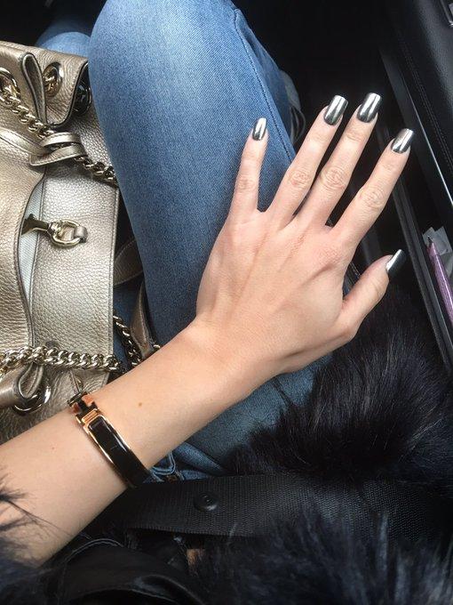 Love my new metal nails https://t.co/ZH6Q4UcRDI