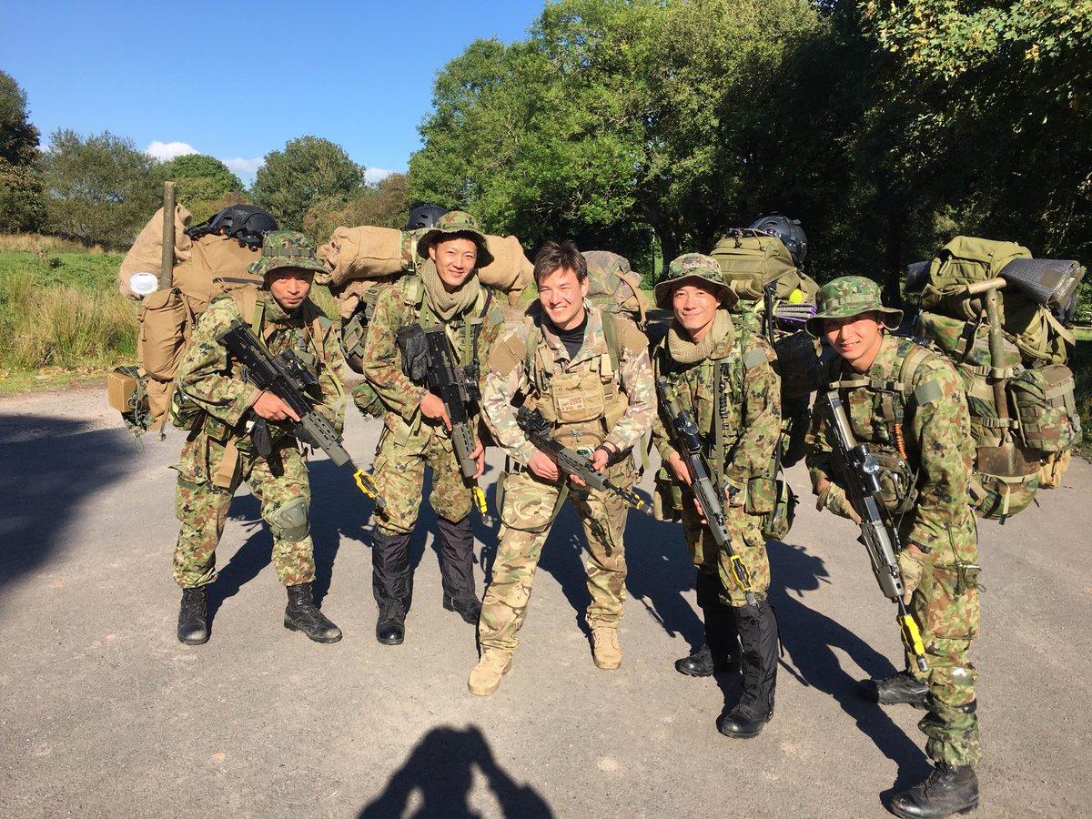 陸上自衛隊富士学校のレンジャー部隊員が英ウェールズで、英国長距離監視パトロール隊、米国海兵隊と、始めての合同訓練を行っています。 @JGSDF_pr @USMC https://t.co/jQX3hJOu2D