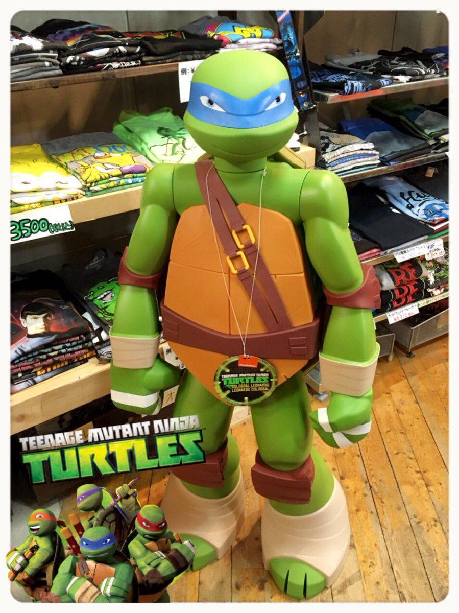 本日、緑色のお客様がご来店。🐢… USA直輸入![ #ミュータントタートルズ ]レオナルドのビッグフィギュアが入荷❗️全