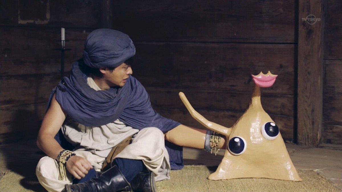 ヒダリー(勇者ヨシヒコ)とミギー(寄生獣)。違うのは製作費(100億円と100円)