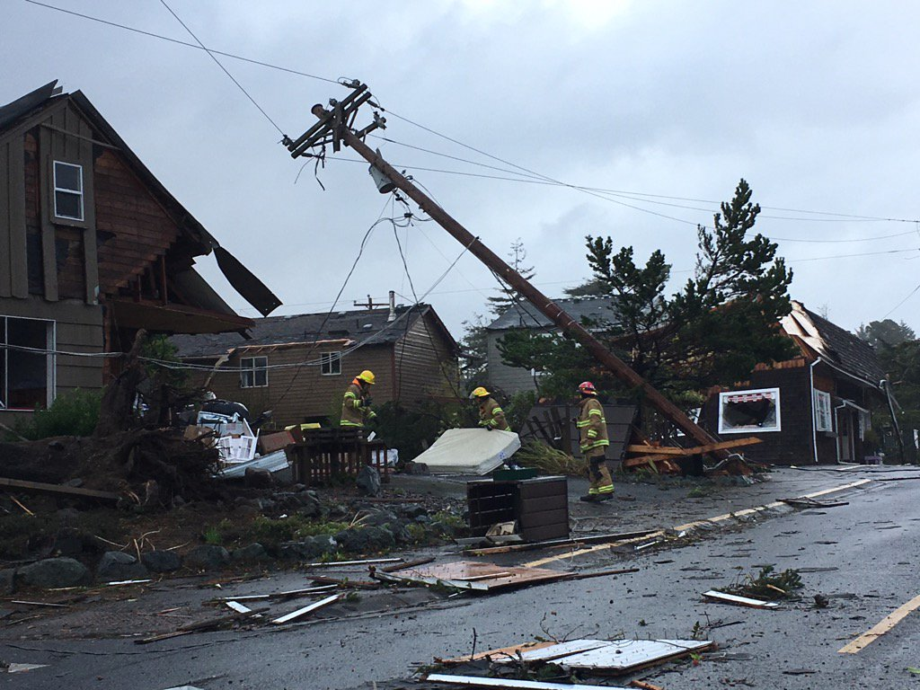Telephone poles and lines down https://t.co/Ev1VZjrpBK