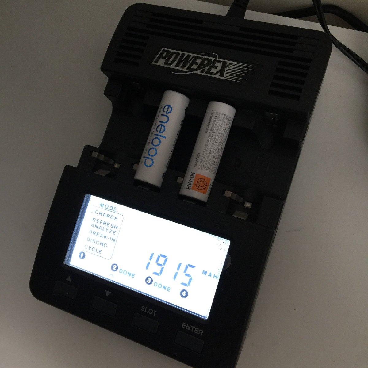 我手头上现役最老的电池:11 年的第三代 eneloop,约四百个循环之后,还能保持这个一致性,而且基本没怎么做保养,都是放电到提示电量低就拿去充电。按官方说的 1800 次循环寿命来估算,那再用十年都不是问题