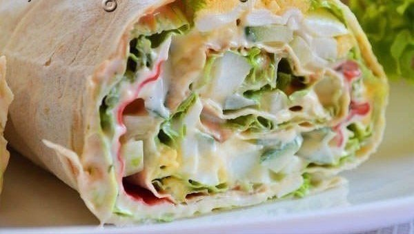 Крабовый салат в лаваше рецепт пошагово