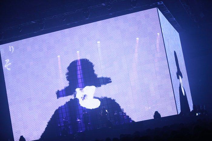 amazarashi LIVE 360°「虚無病」が終了しました。幕張メッセイベントホール&各劇場にお越し頂いた皆さんありがとうございました。またライブでお会いしましょう。 https://t.co/E4bJxiSbEG