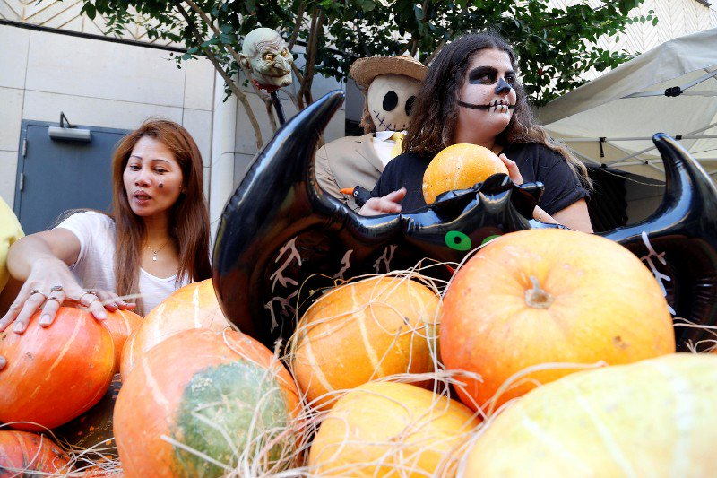 Americans spend scary amounts of money on Halloween -- this is how