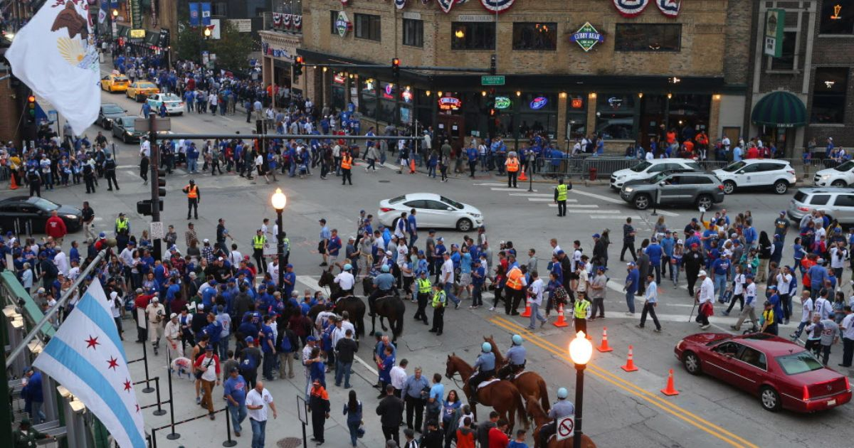Wrigley-area bars jack up prices for Cubs World Series games