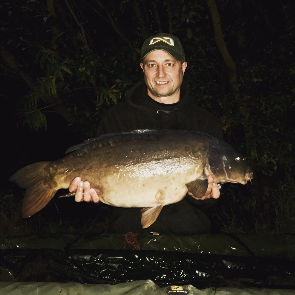 First time out carping for a while and managed to nab one! #<b>Happyday</b>s #carpfishing https://t.