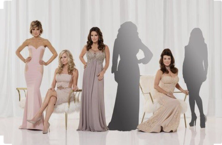 Look who was unveiled today and will be back for season 7! ???????????? #rhobh  https://t.co/v1VdNif5LY https://t.co/8gy2hP9rh1