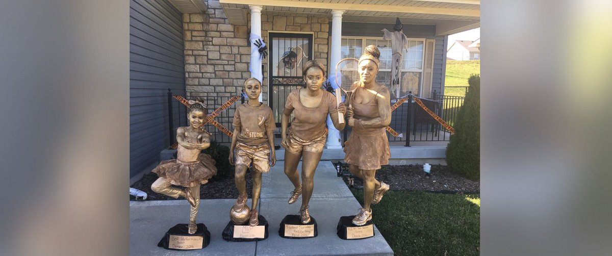 Missouri family dresses up as trophies for Halloween - and wins over the internet.