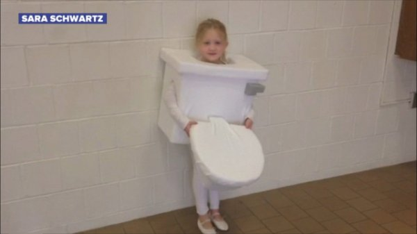 Little Girl Wins Game Of Thrones With Homemade Toilet Costume