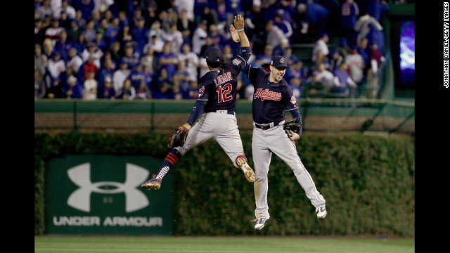 Cleveland Indians win Game 3, take a 2-1 World Series lead.