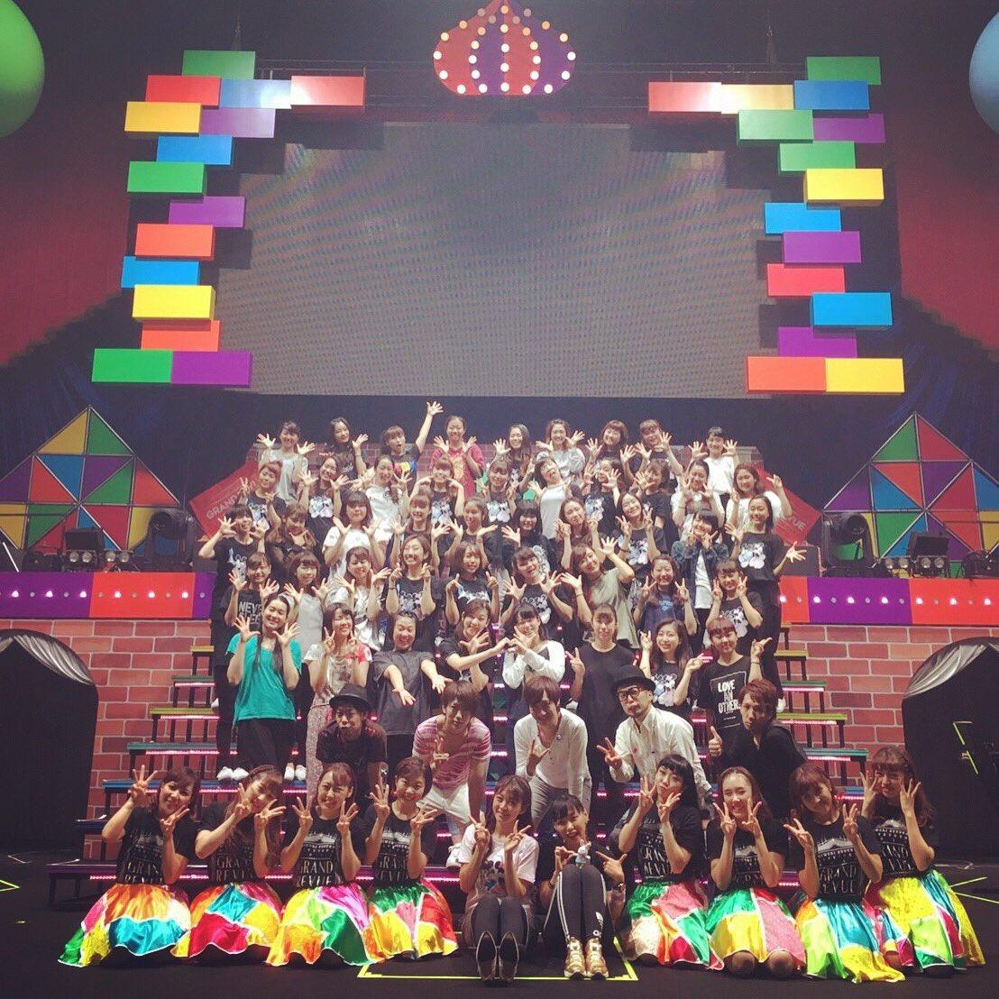 こちらはダンサーズのみんなと、バンドさんと♪こんなにたくさんの仲間が一緒にステージを盛り上げてくださって、心強かったー (о´∀`о)