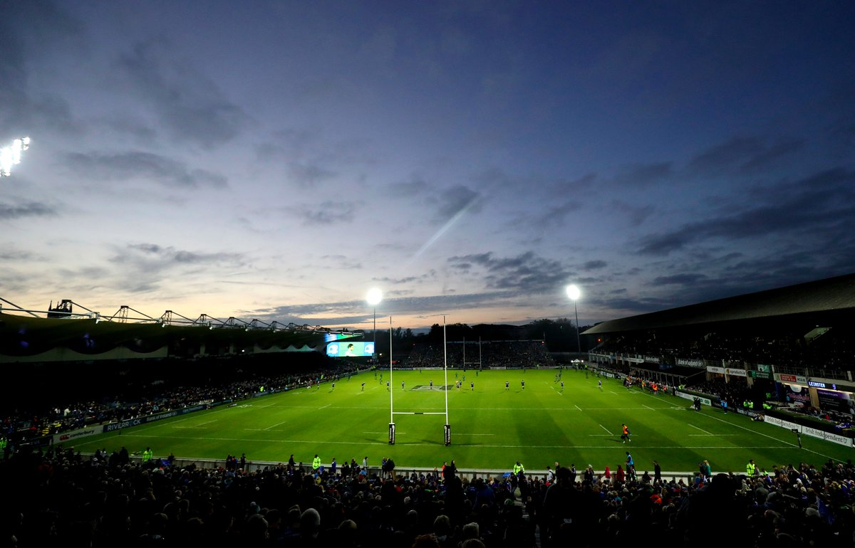 With both teams keeping up the running rugby from the first half, it's exciting stuff here at the RDS! #LEIvCON https://t.co/GHCnZ2pFt5