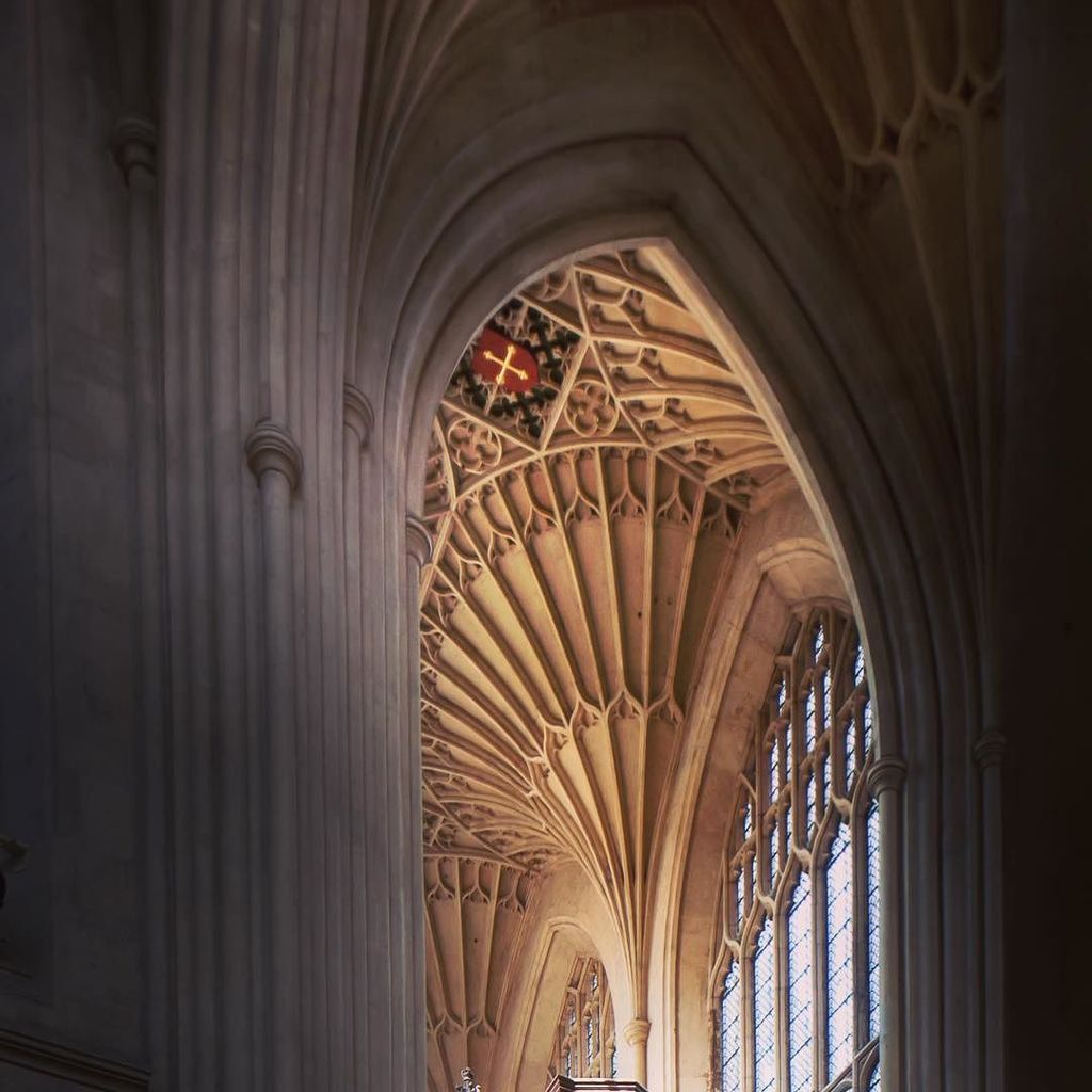 A hint of the sublime: Bath Abbey #architecture #photography #instagram https://t.co/QdC8KnRp26 https://t.co/5NCqzqGmRa