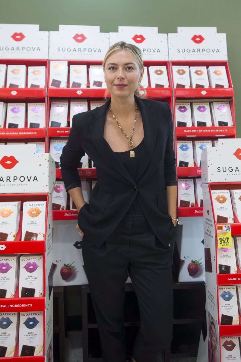 Happy to meet so many of my fans today in Boston! Thank you to @Roche_Bros & @Star_Mrkt ox #Sugarpova https://t.co/UeA4VT72Yx