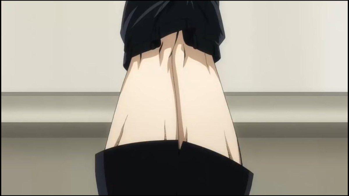 ズボンと学ラン上着の絶対領域が好き(コレは完全に脱げてるけど…)。#坂本ですが