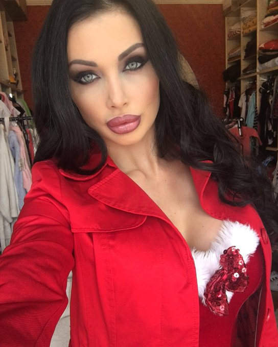 Shooting for DDF today. I feel like a vampire https://t.co/PbYim6Duje