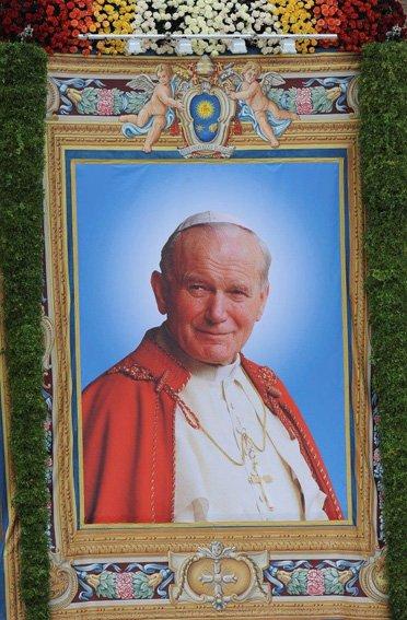 """""""¡No tengan miedo! ¡Abran, más todavía, abran de par en par las puertas a Cristo!"""" – San Juan Pablo II, 22 de octubre de 1978 https://t.co/T0H0mijnae"""