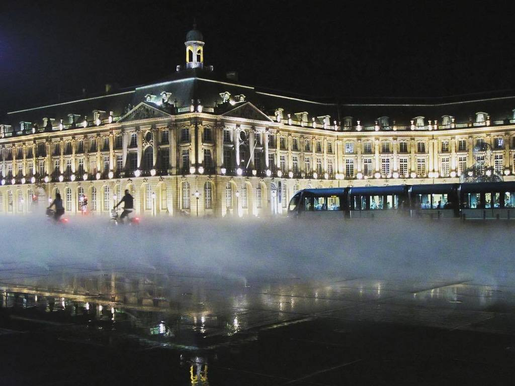 Magical at day and stunning at night #Bordeaux #City #travel https://t.co/Wj3xh1GIVr https://t.co/ycRKtweHhS