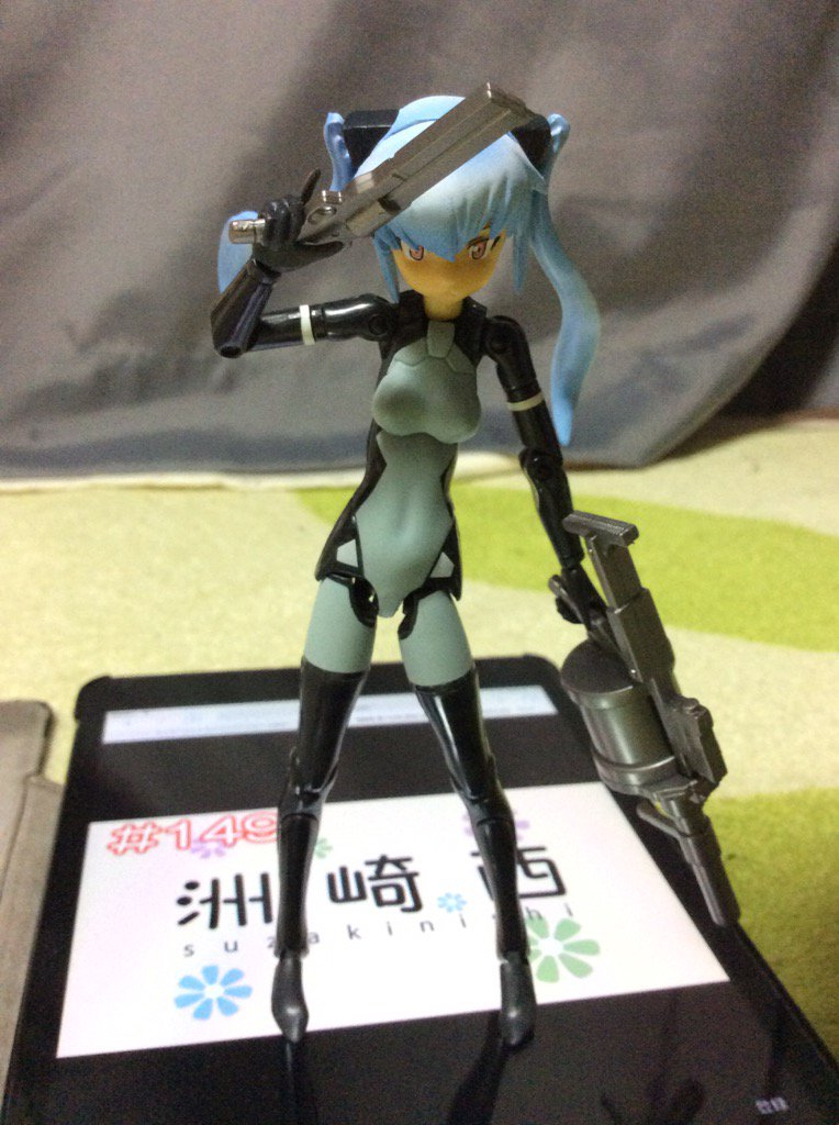 洲崎西聴きながらストラーフ弄ってる#武装神姫#フィギュア