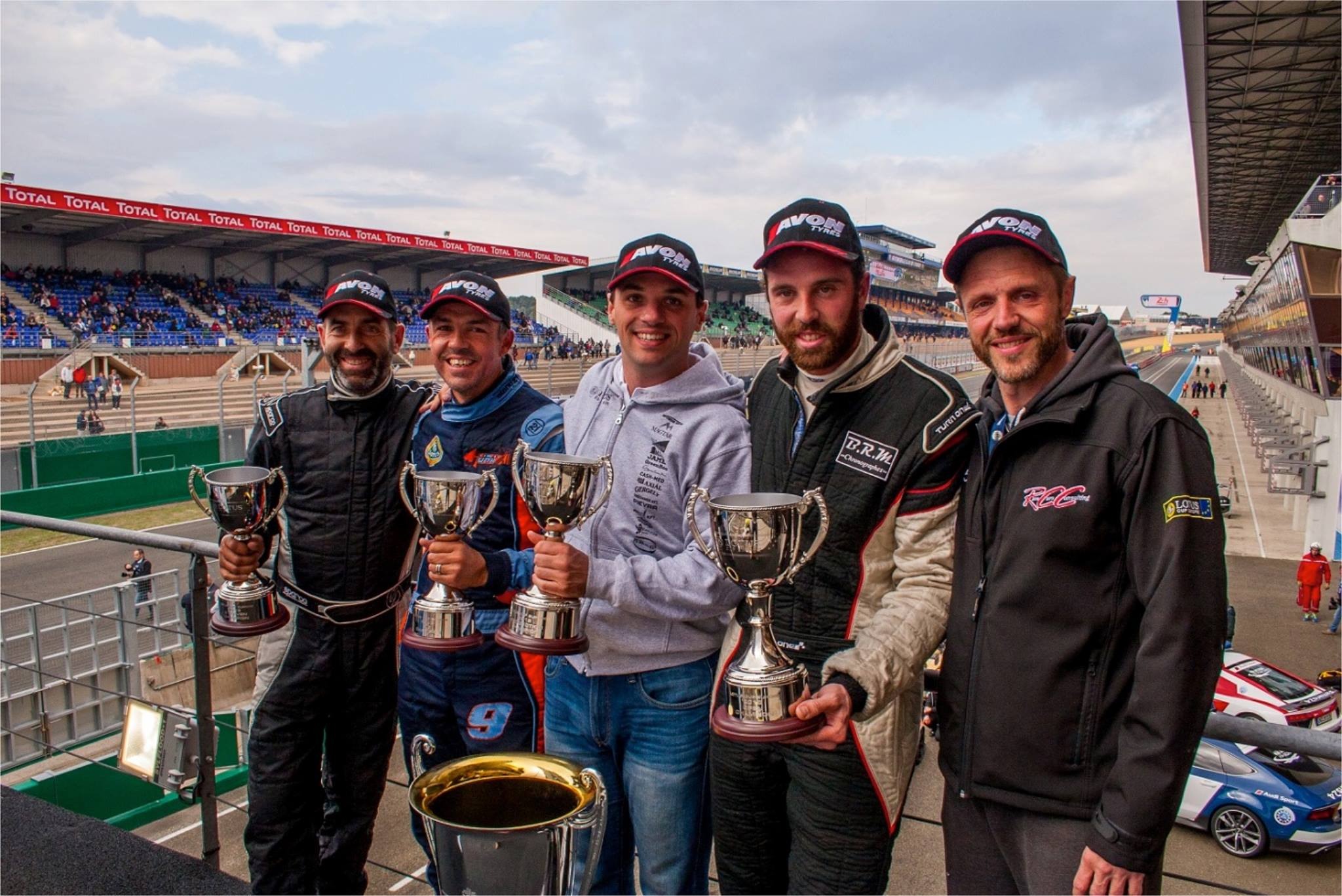 The Lotus Cup Europe spectacular 2016 season has come to a close with a trip to historic Le Mans for the final show down.  📸 : Kevin Ritson https://t.co/l4BGXa8Xe4