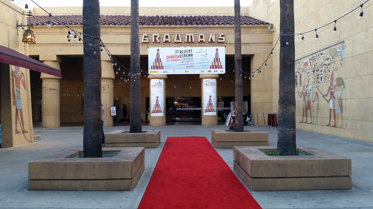 Today the theatre that hosted the 1st Hollywood movie premiere in 1922 turns 94 yrs old - and still going strong! https://t.co/ANB7ZBZNwh