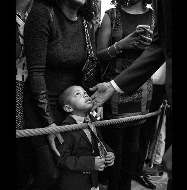 This picture is now in my Top 3 pictures of all-time. And brings tears to my eyes. RT @barackobama ・・・ Dream big. https://t.co/EXKWa8Wa8g