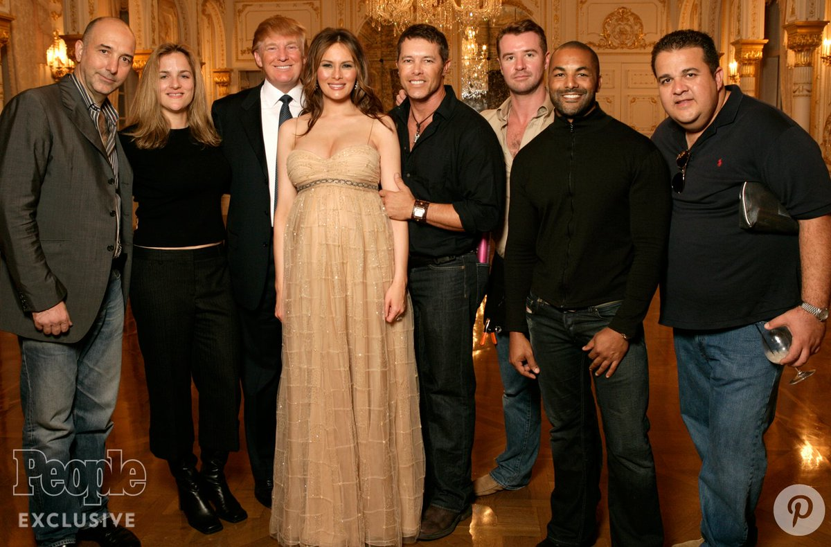 Donald says he never met 'these women.' He didn't look to his right in this photo, apparently. #debatenight https://t.co/m67TpQK6zC