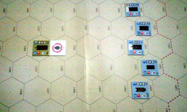 たまには紙のマップと紙の駒で遊ぶ、アナログゲームも面白いですよ。ガールズ&パンツァーに登場する戦車たちを、ぐりぐり動かせ