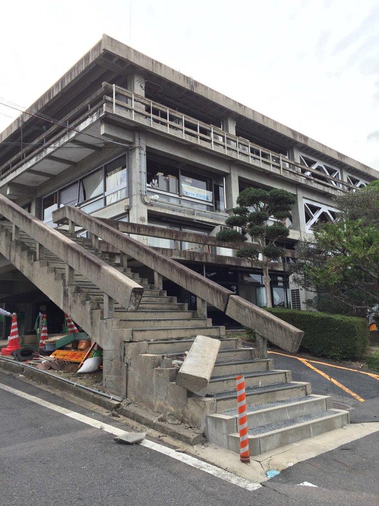 倉吉市役所が耐震補強してあってよかった