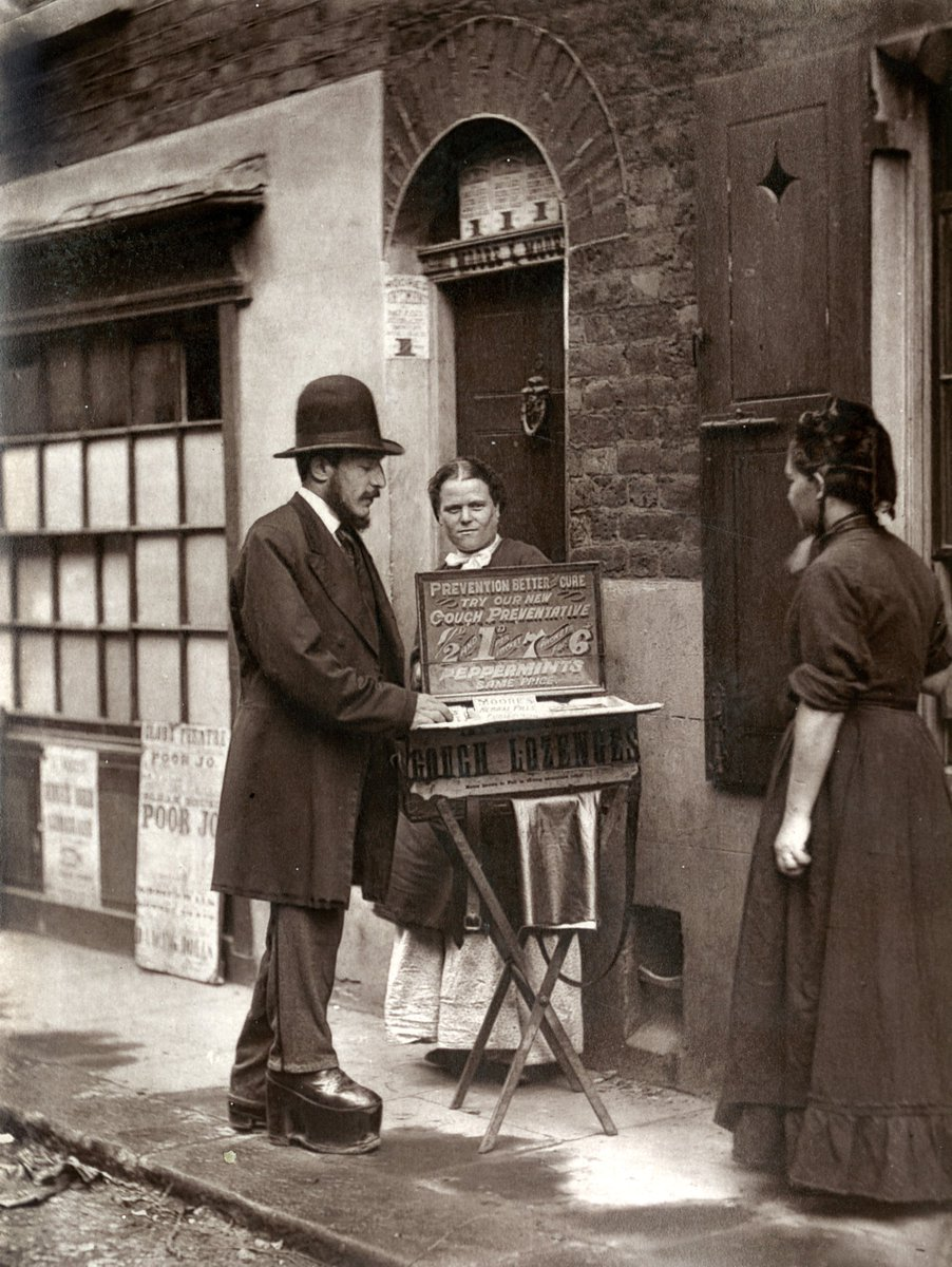 Street Life in London c.1870. View the collection: https://t.co/n6i6bNsJnO https://t.co/UNJ0jfBQ34
