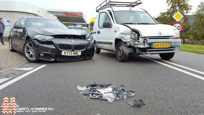 Flink wat blikschade bij ongeluk Middel Broekweg https://t.co/aDOIPudYjs https://t.co/BgYG4yvHEZ