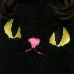 日高里菜、突然こんなことを言って驚くかもしれないが、実は私はお前がハロウィンで着ていた黒猫なのだ。お前のことを恋しく思う